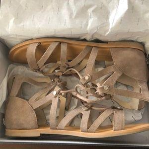 """Dolce Vita """"Jansen"""" taupe suede sandals size 7.5"""